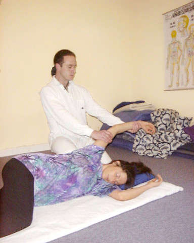 Demonstration of modified Zen shiatsu at the London College of Shiatsu